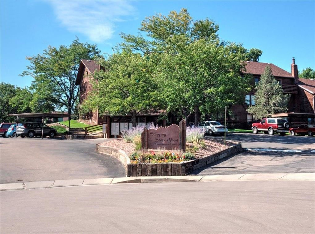 front-entrance-stepping-stones-condos
